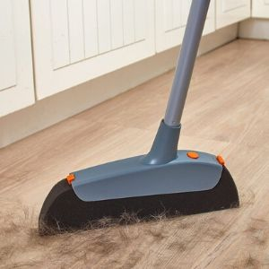 how to Remove pet hair from the floor